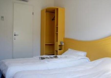 auberge everhotel villefontaine hotel proche parc eurexpo et a roport de lyon. Black Bedroom Furniture Sets. Home Design Ideas